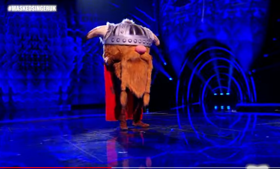 The Masked Singer UK: Viking ギリギリで駒を進める